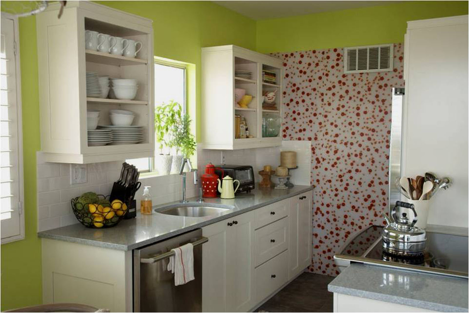 Small kitchen ideas on a budget for Low budget kitchen ideas