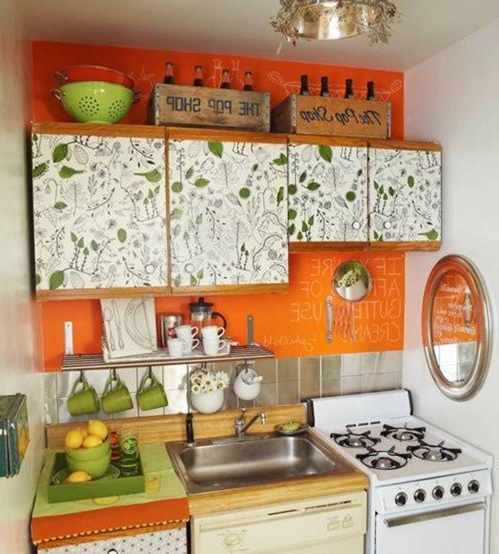 Small kitchen decor for Kitchen decorating ideas for a small kitchen