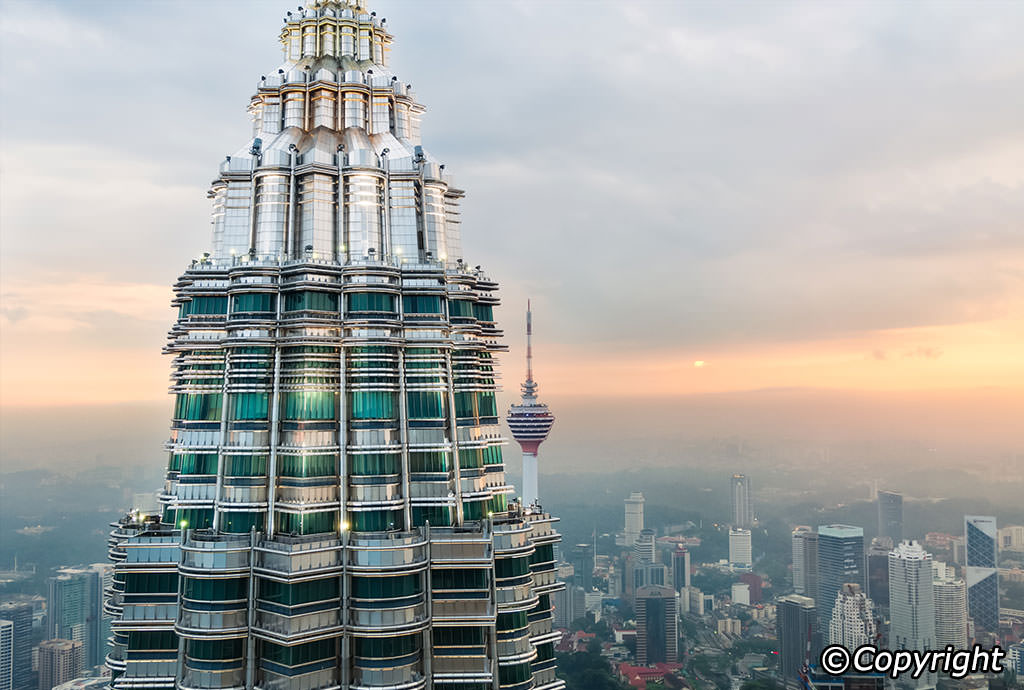 Petronas Towers - Obfuscata